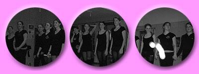 jeweils viele Tänzerinnen in Schwarz und fröhlich lachend