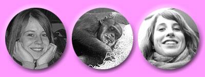 grinzende Tänzerinnen um einen schlafenden Schimpansen
